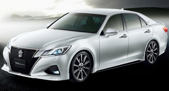 фото Toyota Crown 2016 TRD Sportivo